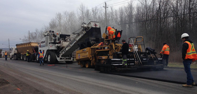 Asphalte JRL Paving industrial road grader with heavy equipment