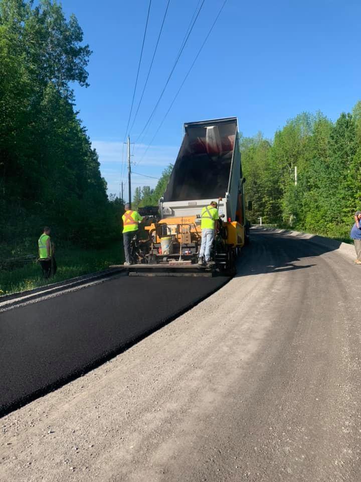 Asphalte JRL Paving roads grading
