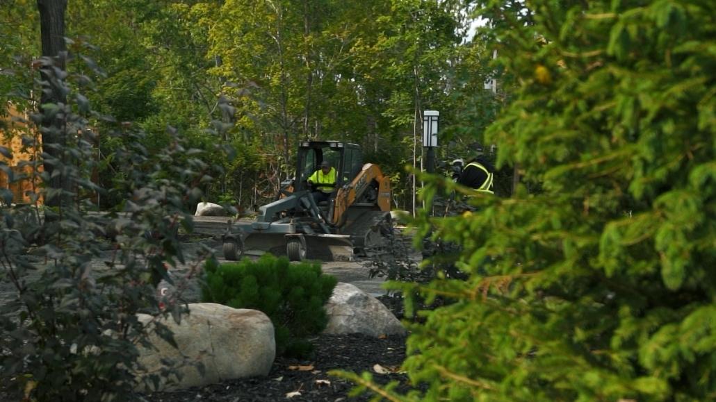 Asphalte JRL Paving residential driveway skid-steer equipment