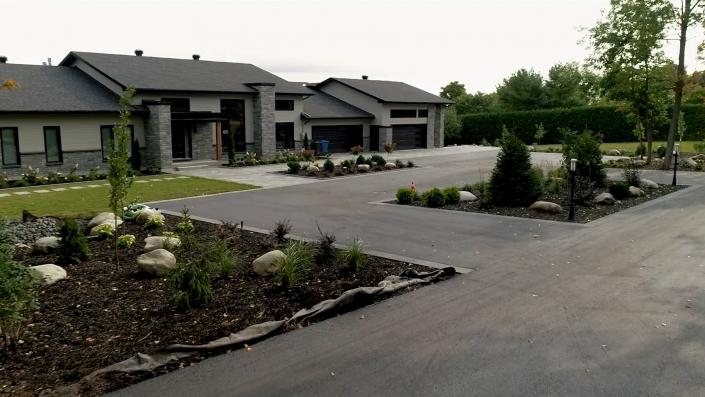 Asphalte JRL Paving residential house driveway